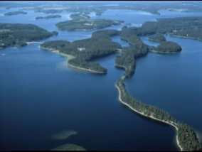 Swedish and Estonian researchers counted the number of lakes on Earth