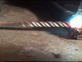 What happens during a steel drill bit after spending 800 amps current strength (Video)